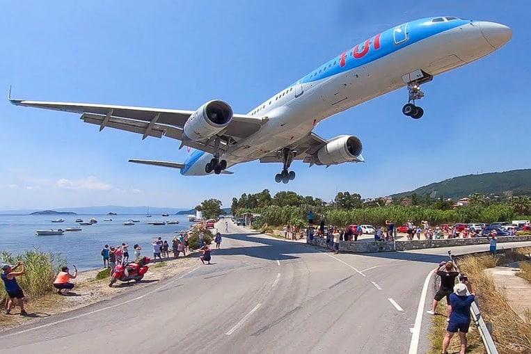 Aeropuerto Alexandros Papadiamantis, Skiathos