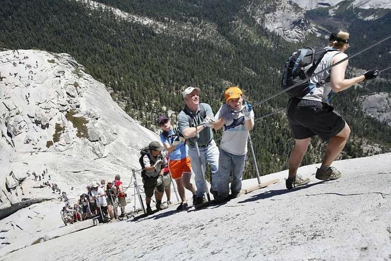 La Media Cúpula, una de las montañas más famosas para los montañeros