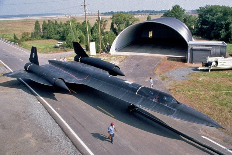 Lockheed SR-71 Blackbird (Velocidad máxima: 3.729 km/h)