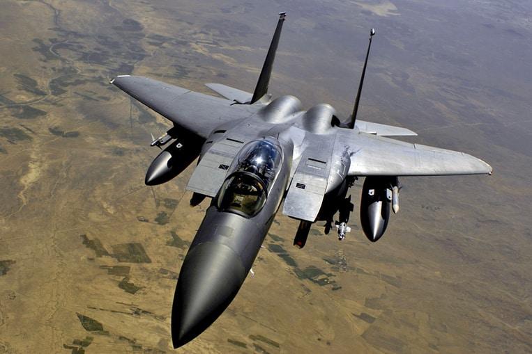 McDonnell Douglas F-15 Eagle (Velocidad máxima: 3.017 km/h)