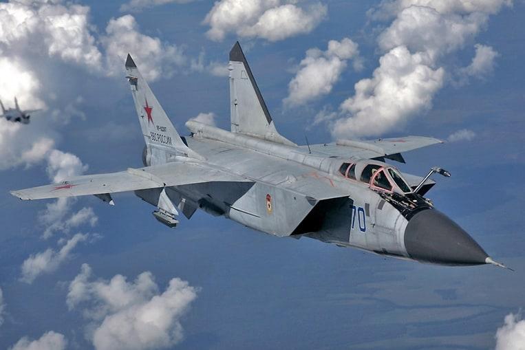 Mikoyan MiG-31 (Velocidad máxima: 3000 km/h)