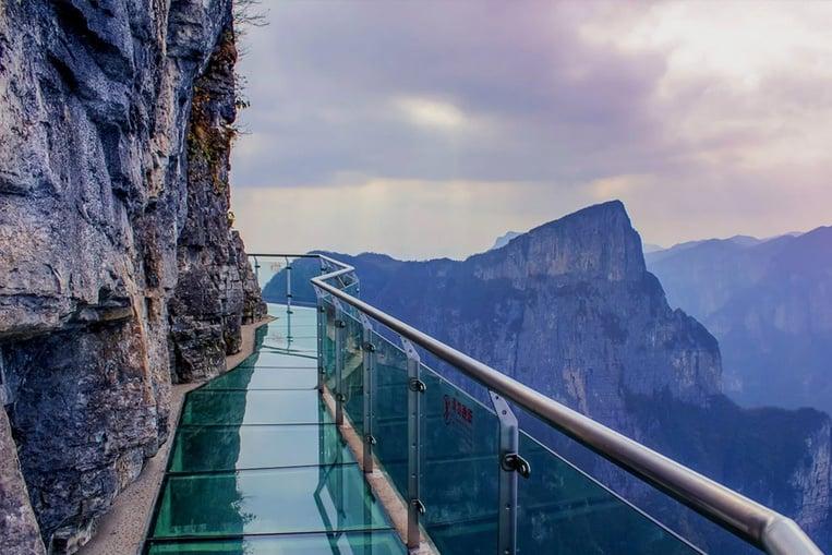 Tianmen Mountain Walkway, la confusa caminata en una pasarela de cristal